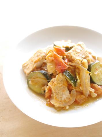 テンペのズッキーニトマト煮込み-50-60-150-P1330398